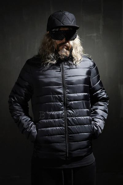 光平面修身夹克