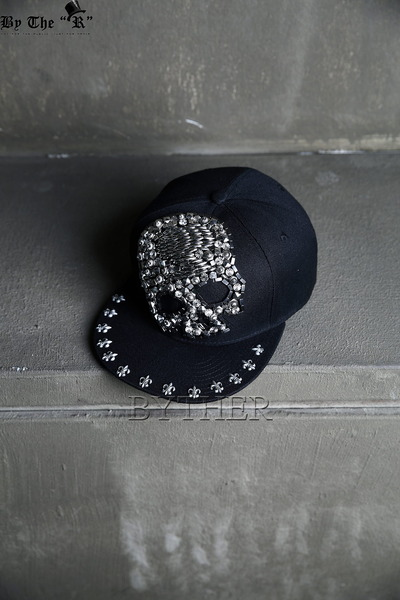 Metal Beads Skull Snap-back Cap