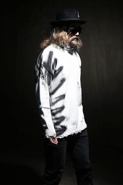 Graffiti Crew Neck Damage Knit Tee